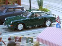 porsche 911 4421 green small