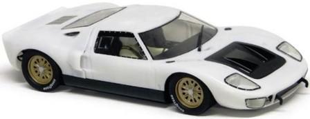 White GT 40