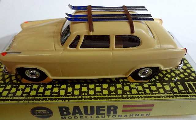 bauer 4206 Borgward with skis